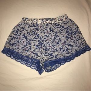 Nordstrom 'Lush' soft floral shorts